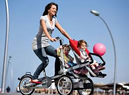 mom with cool double baby bike